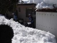 雪かきボランティアの活動の様子